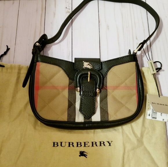 Authentic Burberry clutch b7bf727ad58a6